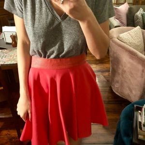 Dresses & Skirts - Vintage skirt with leather waist band